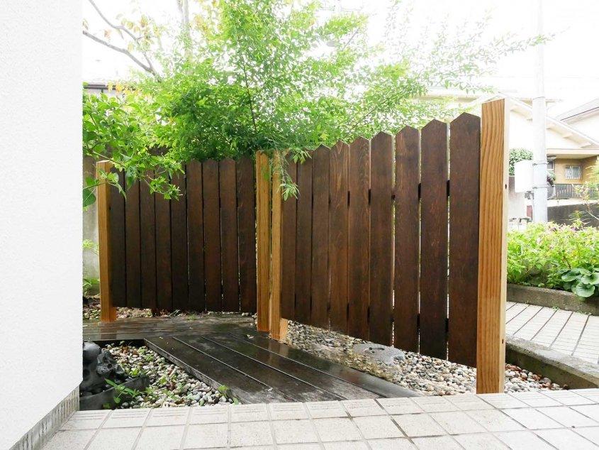 取り外しが簡単な木製フェンス